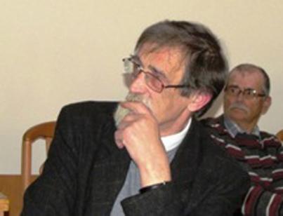 Pan Witold Forkiewicz autor witraży w kościele Opatrzności Bożej w Gdańsku